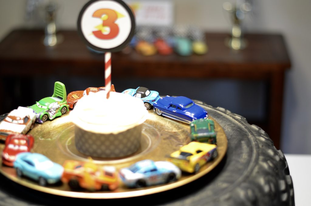 cars themed birthday party dessert